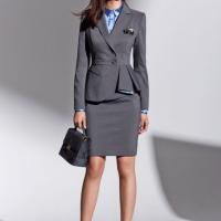 Mẫu đồng phục văn phòng đẹp nào đang được phái nữ ưa chuộng