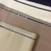 Kinh nghiệm chọn vải may quần tây đồng phục công sở
